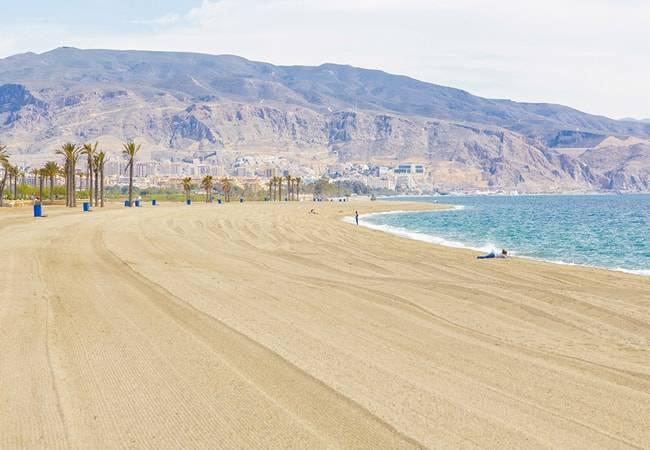 Las playas de Roquetas fueron un 41% más seguras en 2020