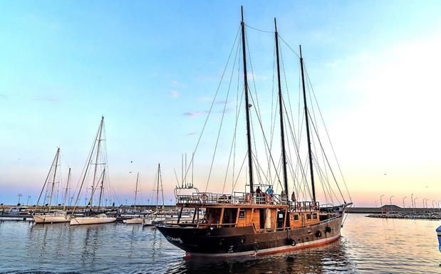 El barco Anne Bonny se establece en la provincia de Almería.