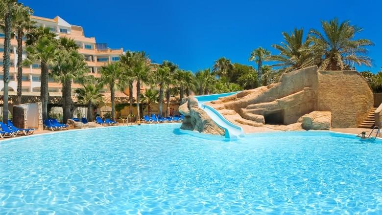Roquetas de Mar entre los 15 mejores destinos turísticos de España